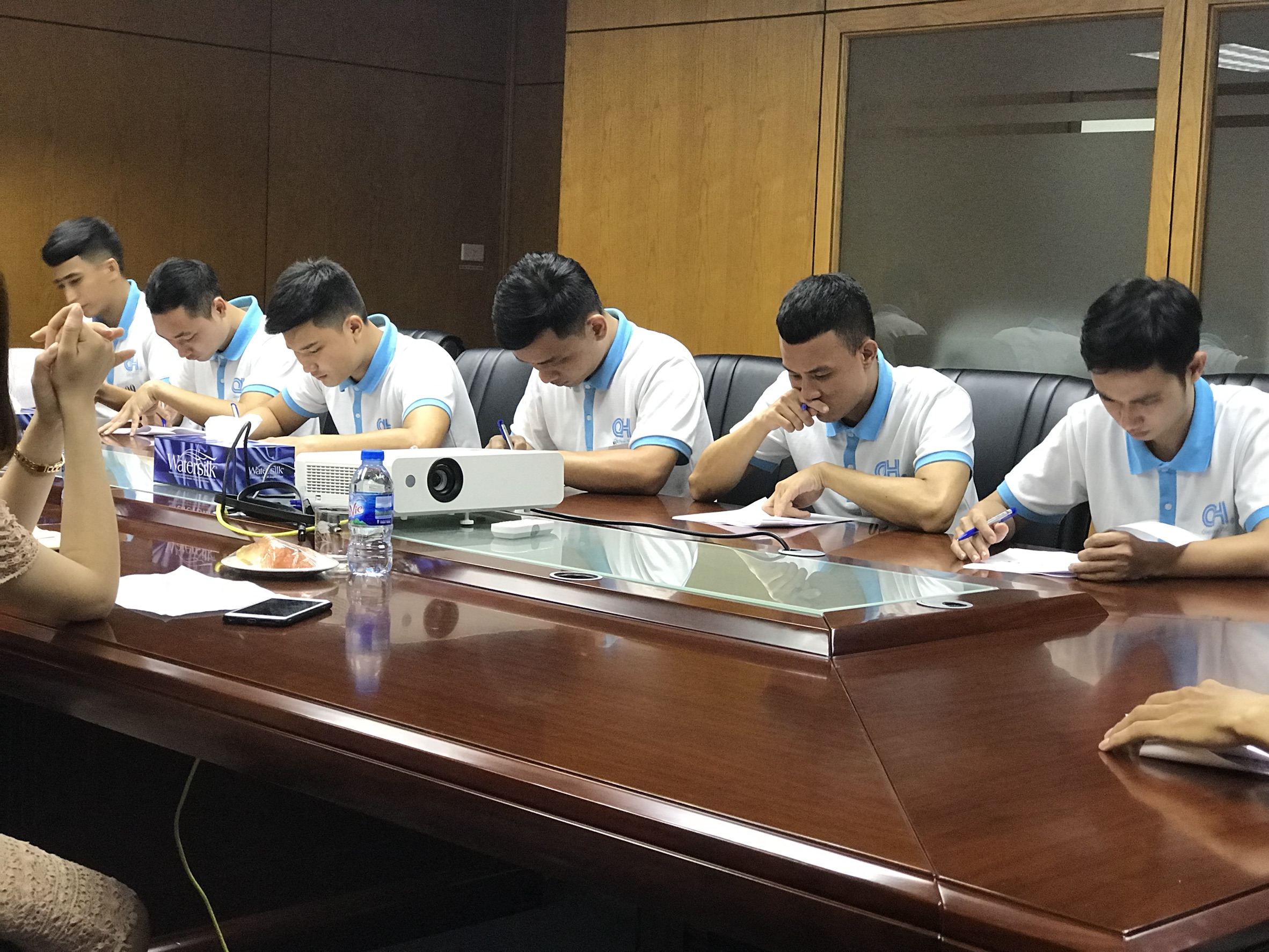 ベトナム人技能実習生、現地での面接風景
